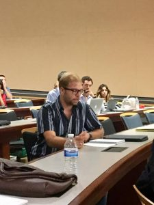 José Coss, estudiante de segundo año de la Escuela de Derecho UPR en una actividad del curso Teoría General del Derecho