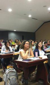 Yara Alma Bonilla, estudiante de Derecho de segundo año en el curso Teoría General del Derecho